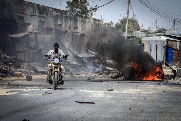 Mogadişu Havaalanı önünde patlama 8