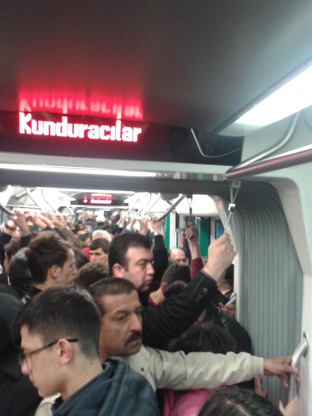 Konya'ya gelen yeni tramvay yolcu taşımaya başladı 10