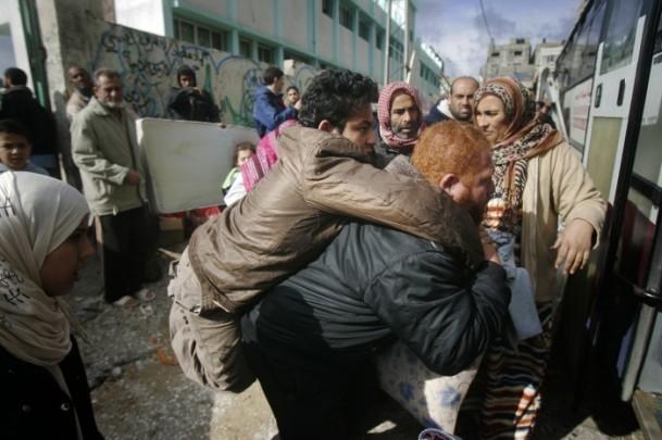 """Gazzelilerin """"soğukla"""" mücadelesi 1"""