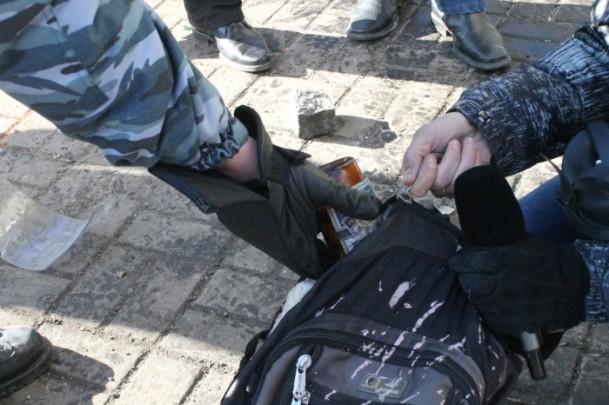 Protestocular 67 emniyet görevlisini rehin aldı 12