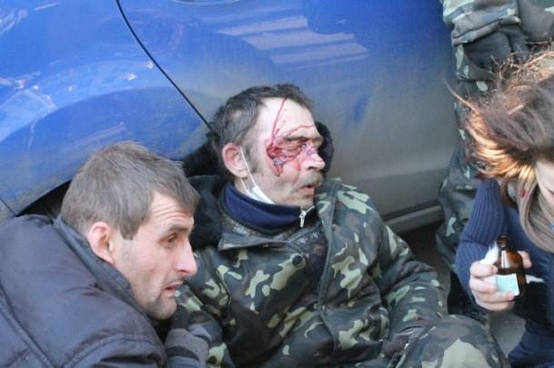 Protestocular 67 emniyet görevlisini rehin aldı 13