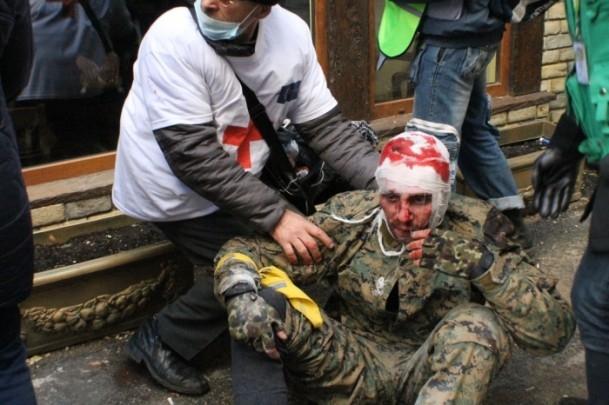 Protestocular 67 emniyet görevlisini rehin aldı 14