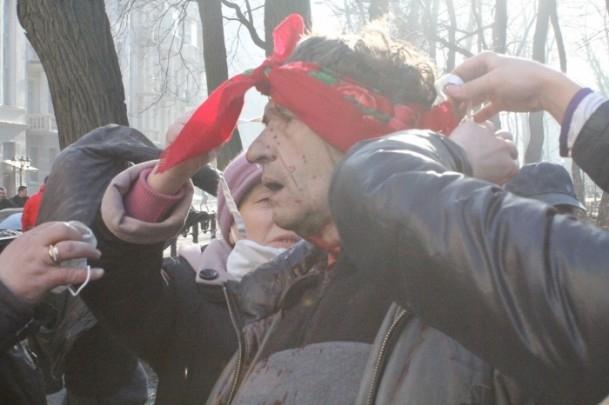 Protestocular 67 emniyet görevlisini rehin aldı 5