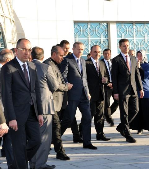 Başbakan Bilim Merkezini gezdi ve İstanbul'a gitti 12