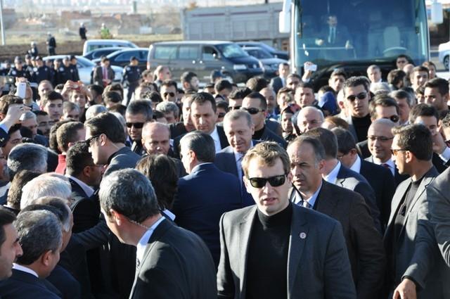 Başbakan Bilim Merkezini gezdi ve İstanbul'a gitti 13