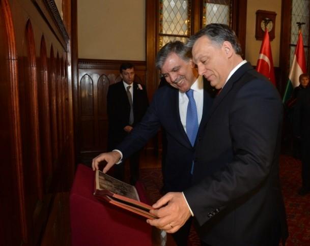 Gül'e eski İstanbul fotoğrafları sürprizi 2