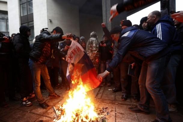 Kırım'da gerginlik sürüyor 11
