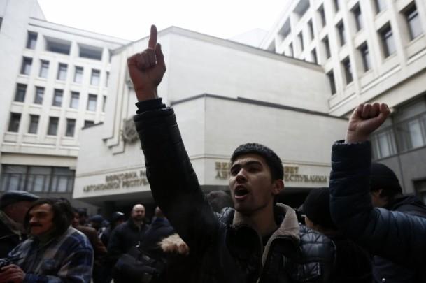 Kırım'da gerginlik sürüyor 12