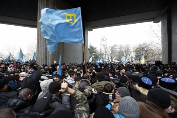 Kırım'da gerginlik sürüyor 4