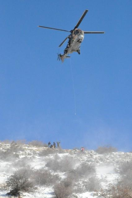 Askeri helikopterle hastaneye götürülürken öldü 1