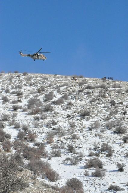 Askeri helikopterle hastaneye götürülürken öldü 6