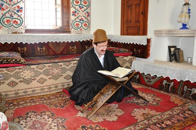 Mevlana Müzesi'nde 89 yıl sonra ilk namaz 17