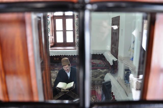 Mevlana Müzesi'nde 89 yıl sonra ilk namaz 18