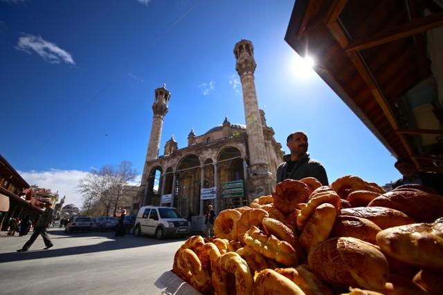 """Konya'nın barok camisi """"Aziziye"""" ibadete açıldı 1"""