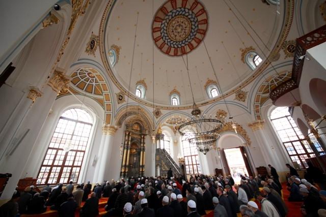 """Konya'nın barok camisi """"Aziziye"""" ibadete açıldı 34"""
