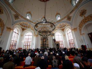 """Konya'nın barok camisi """"Aziziye"""" ibadete açıldı"""