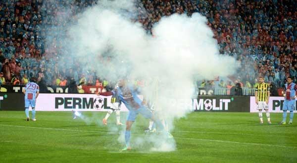 Trabzonspor - Fenerbahçe maçı tatil edildi 14