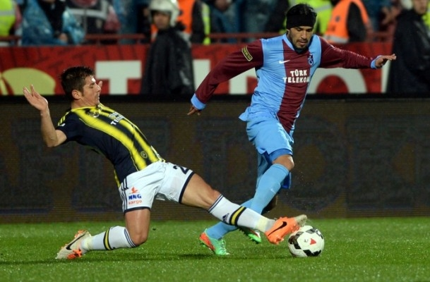 Trabzonspor - Fenerbahçe maçı tatil edildi 29