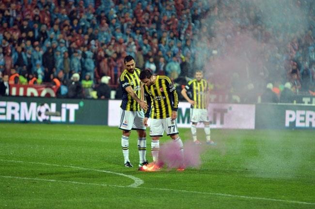 Trabzonspor - Fenerbahçe maçı tatil edildi 3