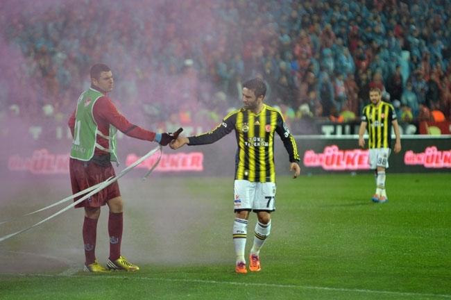 Trabzonspor - Fenerbahçe maçı tatil edildi 4