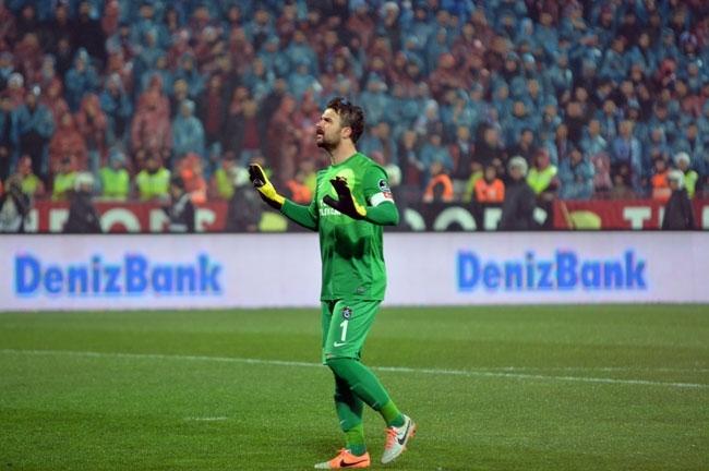 Trabzonspor - Fenerbahçe maçı tatil edildi 5