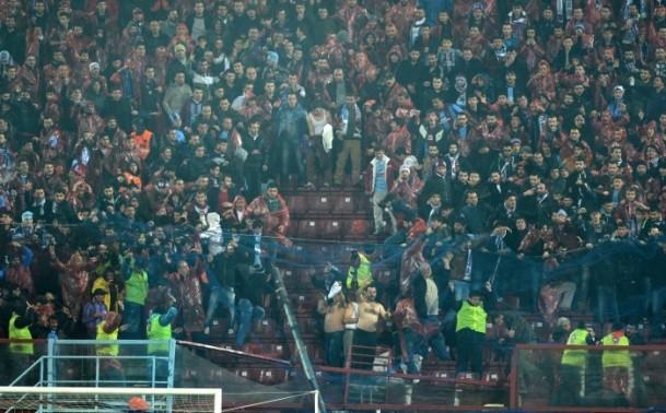Trabzonspor - Fenerbahçe maçı tatil edildi 52