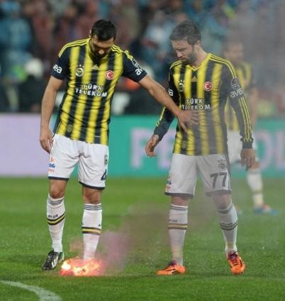 Trabzonspor - Fenerbahçe maçı tatil edildi 58