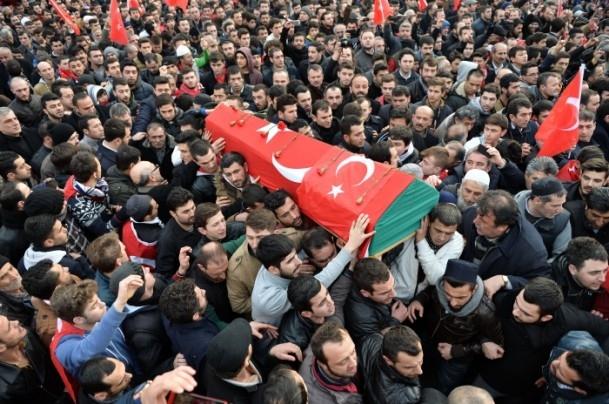 Burak Can Karamanoğlu gözyaşlarıyla uğurlandı 15