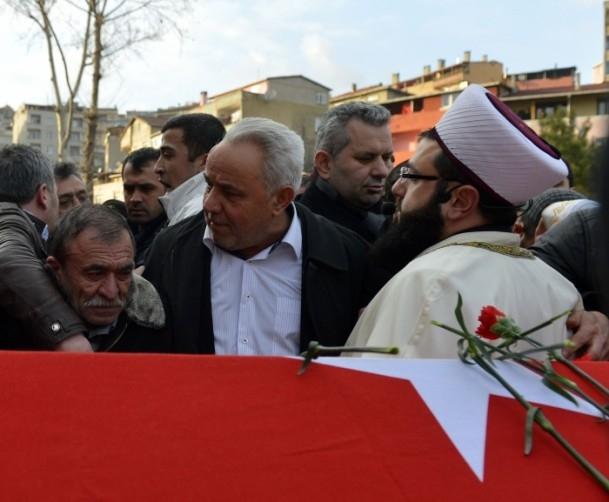 Burak Can Karamanoğlu gözyaşlarıyla uğurlandı 8