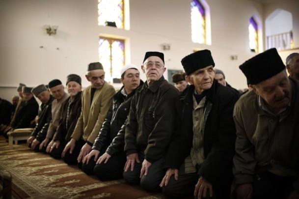 Kırım Tatarları'na sürgünü hatırlatan referandum 12