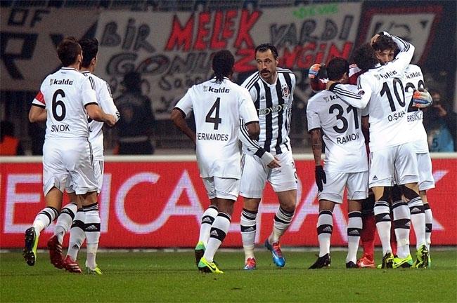 Kasımpaşa, Beşiktaş'ı 2-1 mağlup etti 4