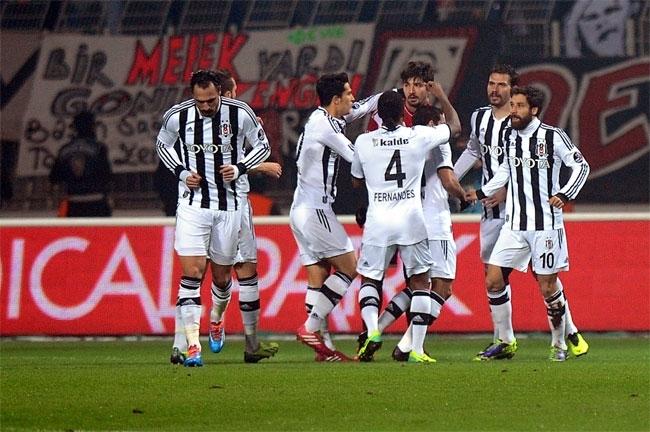 Kasımpaşa, Beşiktaş'ı 2-1 mağlup etti 5