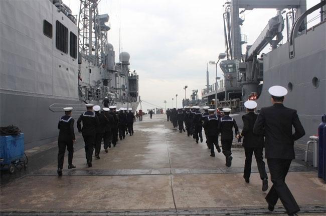 Barbaros Türk Deniz Görev Grubu yola çıktı 1