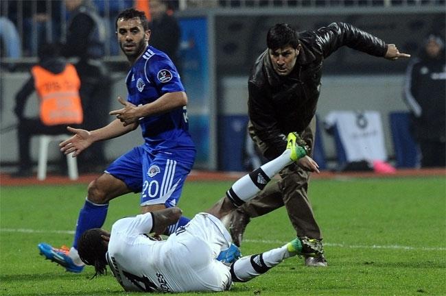 Taraftar Fernandes'e saldırdı 7