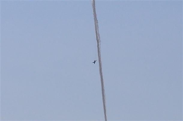 Suriye uçağının vurulma anı 3