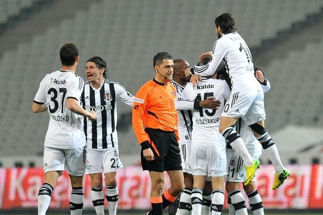 Beşiktaş 3 - 0 Akhisar Belediyespor 15