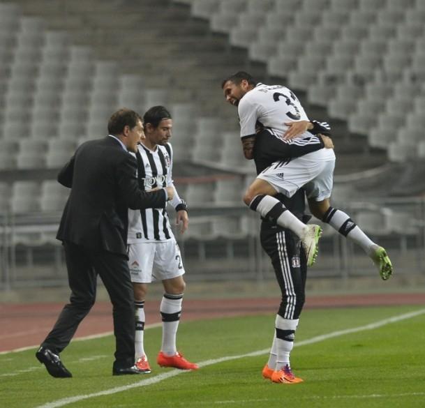 Beşiktaş 3 - 0 Akhisar Belediyespor 20