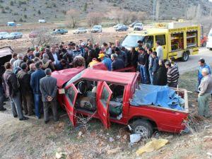 Konya'da iki kamyonet çarpıştı: 1 ölü, 7 yaralı