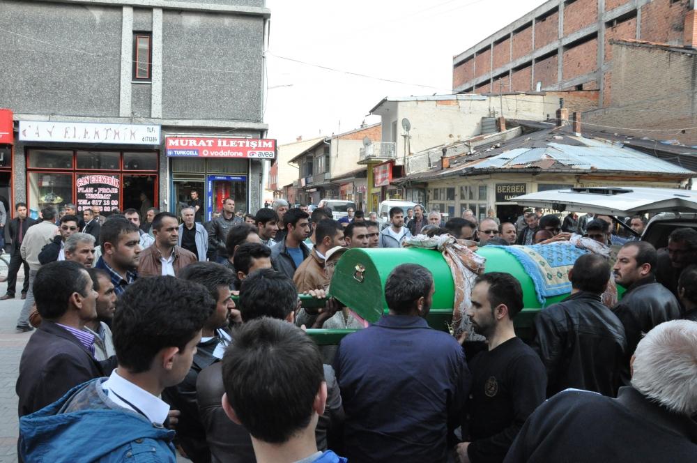 Konya'da kaza - Vefat eden 6 kişinin cenazesi toprağa verildi 4