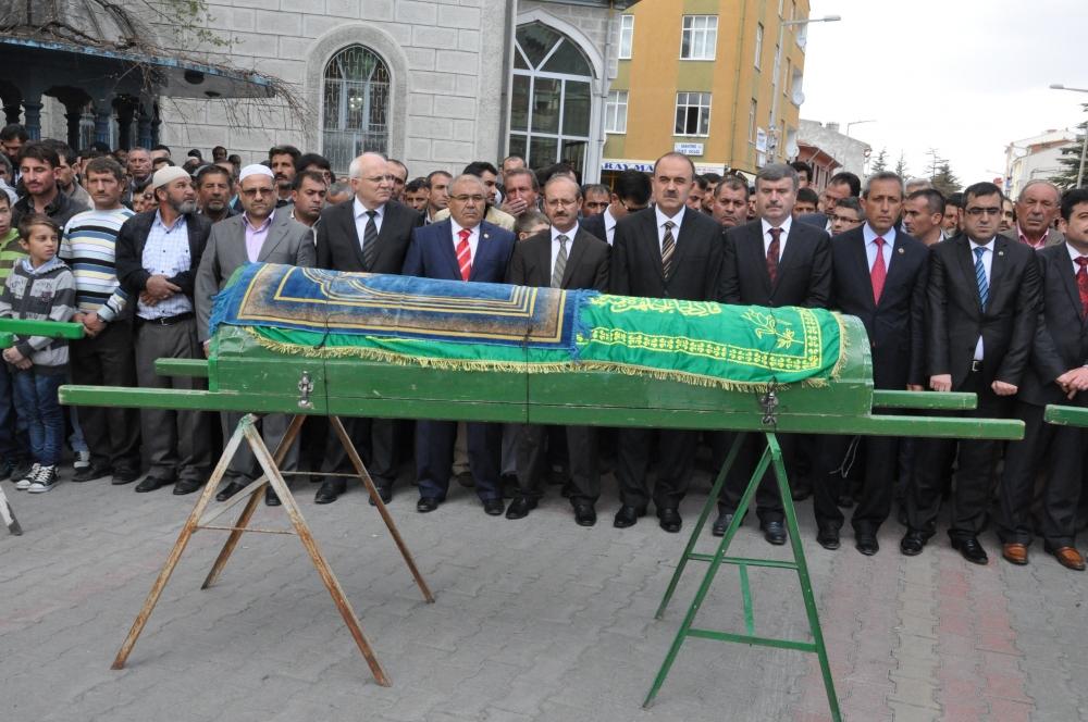 Konya'da kaza - Vefat eden 6 kişinin cenazesi toprağa verildi 6