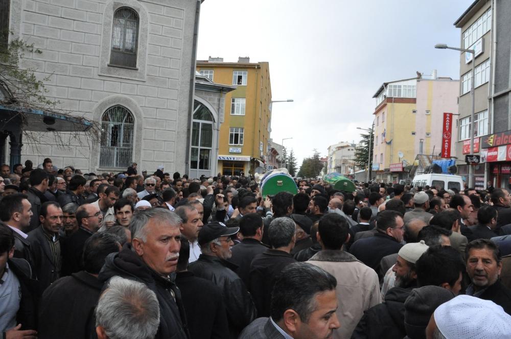 Konya'da kaza - Vefat eden 6 kişinin cenazesi toprağa verildi 7