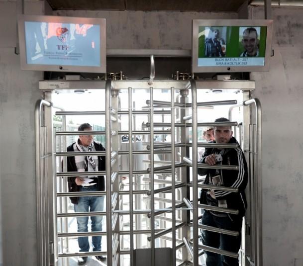 Beşiktaş-Fenerbahçe karşılaşması 16