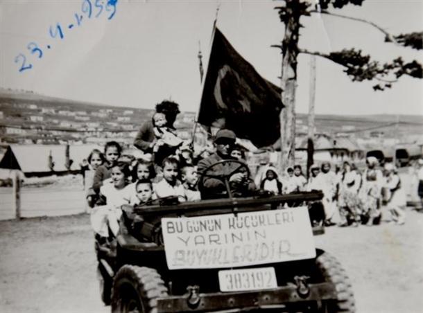 67 yıl önce 23 Nisan böyle kutlandı 1