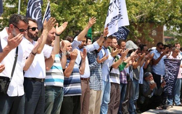 Yüzbinler Gazze için sokaklara döküldü 12