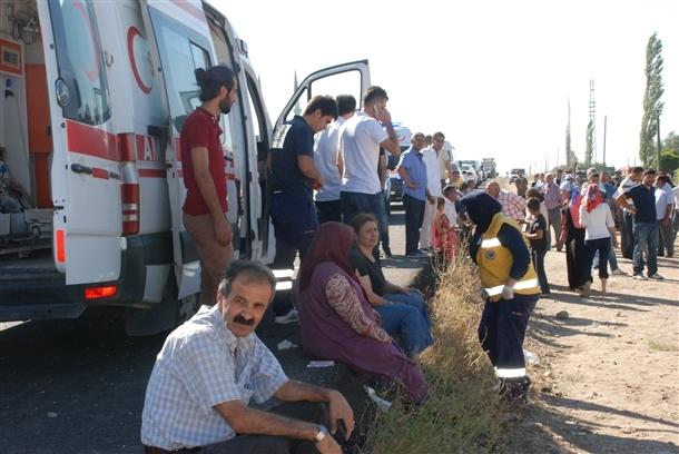 Yolcu otobüsü devrildi: 8 ölü 5