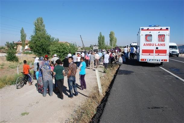 Yolcu otobüsü devrildi: 8 ölü 6