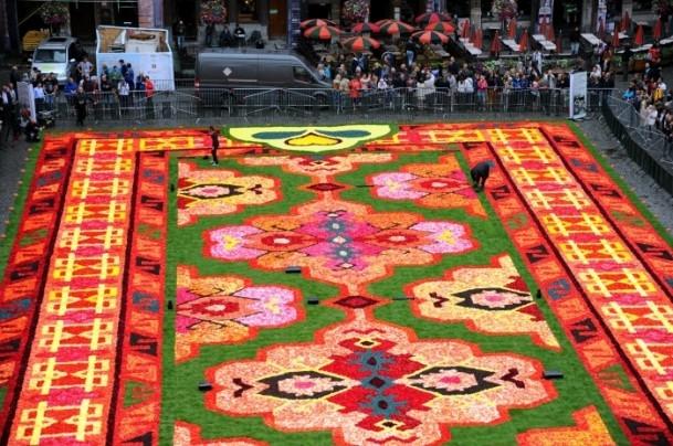Brüksel'de çiçekten Türk halısı 10