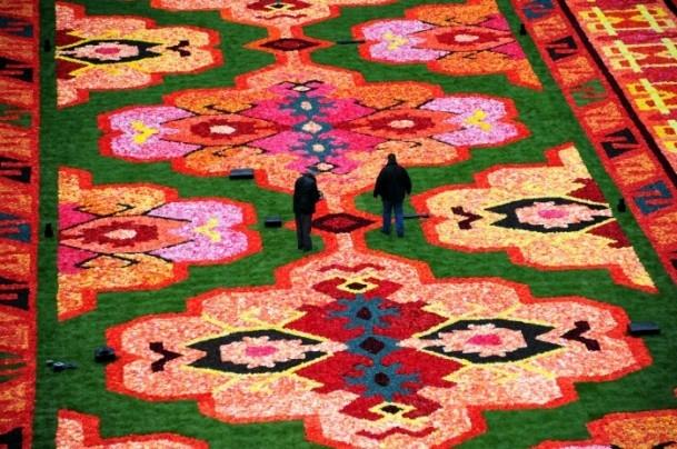 Brüksel'de çiçekten Türk halısı 8