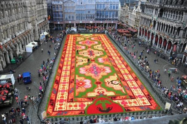 Brüksel'de çiçekten Türk halısı 9