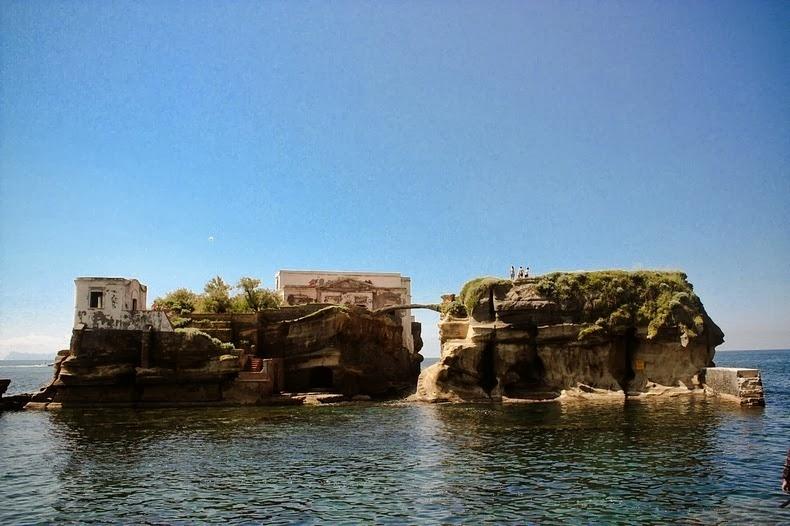 Dünyanın en ilginç adaları 12